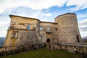 Castello Carafa esterno 1