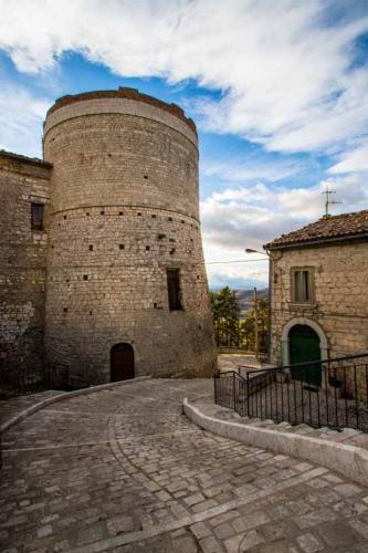 Castello Carafa esterno 2